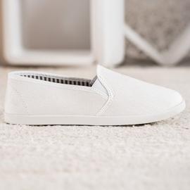SHELOVET Comfortable Slip-On Sneakers white 1
