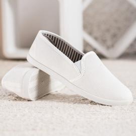 SHELOVET Comfortable Slip-On Sneakers white 2