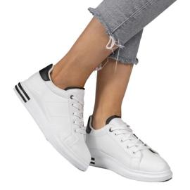 LG20 white classic sneakers black 1