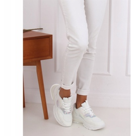 White sports shoes BH003 White 2
