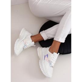 White sports shoes BH003 White 3