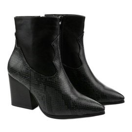 Black ankle boots with pointed Chay 2