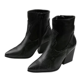 Black ankle boots with pointed Chay 3