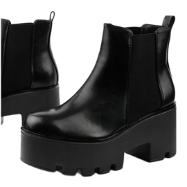Black ankle boots with a Pardia elastic band 1