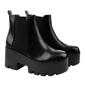 Black ankle boots with a Pardia elastic band 3
