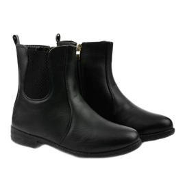 Black flat ankle boots with an elastic band and Trini zipper 2
