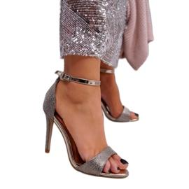 SEA Women's Gold Sandals Glitter Gold Fiver golden 1