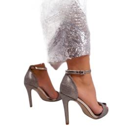 SEA Women's Gold Sandals Glitter Gold Fiver golden 2