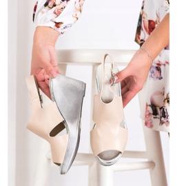 SHELOVET Sandals at Koturna beige 2