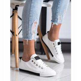 SHELOVET Sneakers With Black Inserts white 3