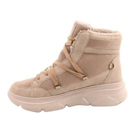 Kylie Crazy Women's Sneakers Beige Snow boots Missy 10