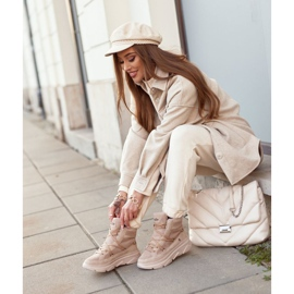 Kylie Crazy Women's Sneakers Beige Snow boots Missy 6