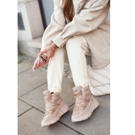 Kylie Crazy Women's Sneakers Beige Snow boots Missy 7