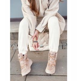 Kylie Crazy Women's Sneakers Beige Snow boots Missy 8