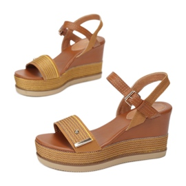 Vices 6280-49-yellow 1