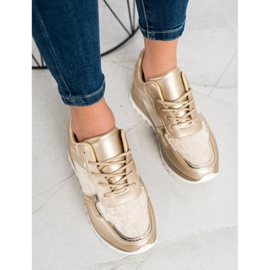 Bestelle Stylish sneakers beige 1