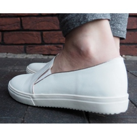 Classic Slip On TS9007 White Sneakers 4