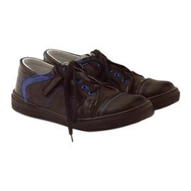 Black shoes on the Ren But 4292 slider blue 4