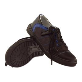 Black shoes on the Ren But 4292 slider blue 3
