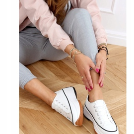 Designer sneakers with white VL138 White sole 2