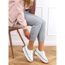 Designer sneakers with white VL138 White sole 3