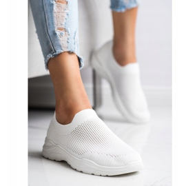 Ideal Shoes Slip-on Shoes With Mesh white 1