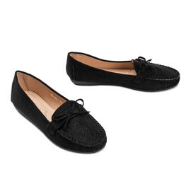 Black moccasins with an openwork Maura pattern 1