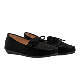 Black moccasins with an openwork Maura pattern 2