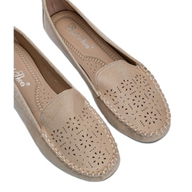 Beige loafers with an openwork Justine toe 2