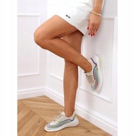 Beige socks 3436 Beige sports shoes 3