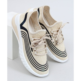 Beige socks 3436 Beige sports shoes 1