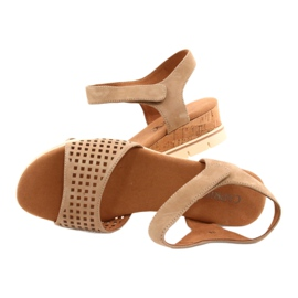 Caprice leather sandals on a wedge heel 28710 beige 4