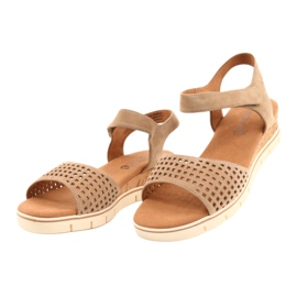 Caprice leather sandals on a wedge heel 28710 beige 1