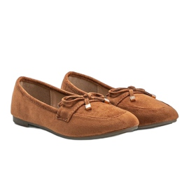 Brown loafers with a bow from Arlene 2