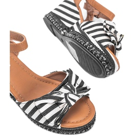 Black and white wedge sandals from Dulce 2
