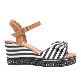 Black and white wedge sandals from Dulce 3