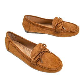 Brown loafers with a Deonte bow 3