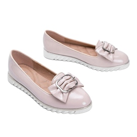 Beige lacquered loafers with a Nemesise bow 2