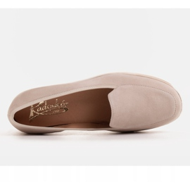 Radoskór Comfortable low wedge shoes for a wider foot beige 4