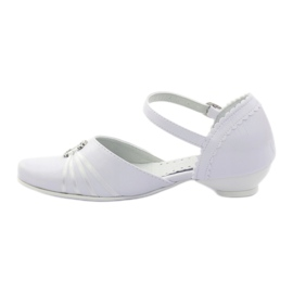Courtesy ballerina shoes Miko 710 white 2