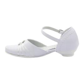 Courtesy ballerina shoes Miko 710 white 2