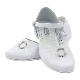 Courtesy ballerina shoes Miko 710 white 3